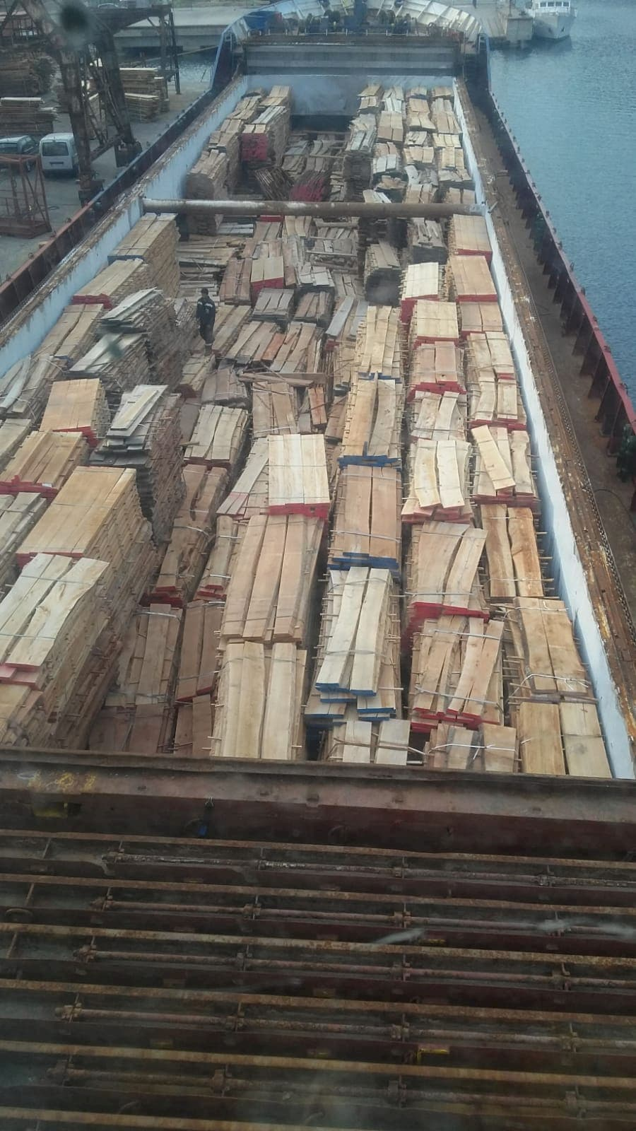 Oakwoode export and shipping services